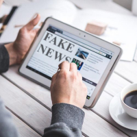 Podcasts - Fake News