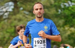 Dr Martin Galpin wearing Univ stash running